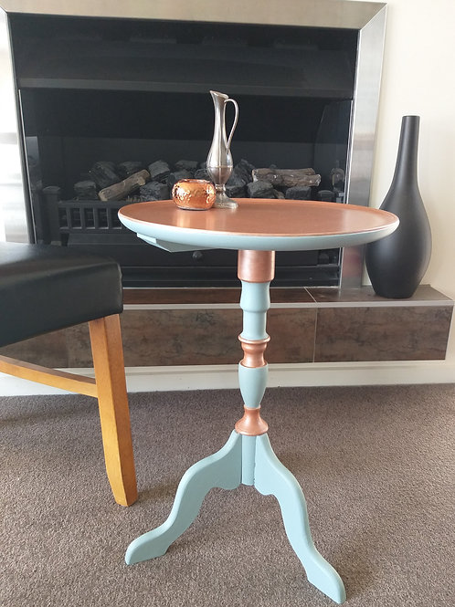 Wine / side table