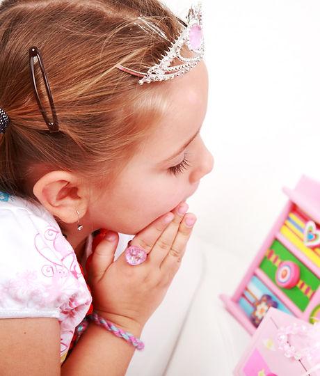 Girl's toysshutterstock_44650237.jpg