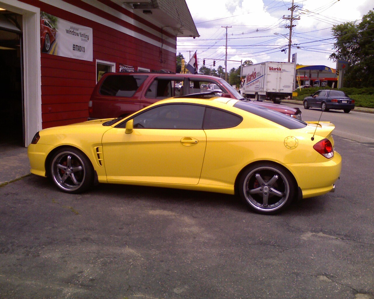 yellow car.jpg