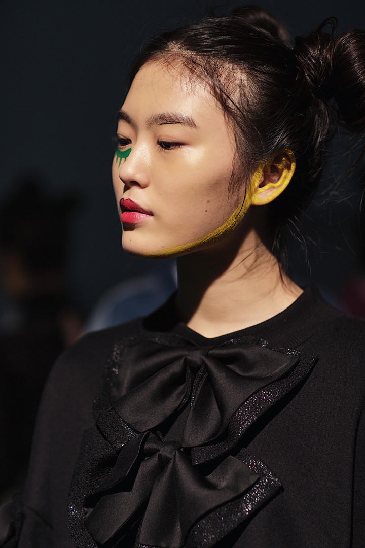 Greedilous - Backstage, Seoul Fashion We