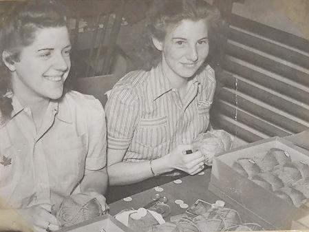 Elda and Velma packing yarn, black and white history photo