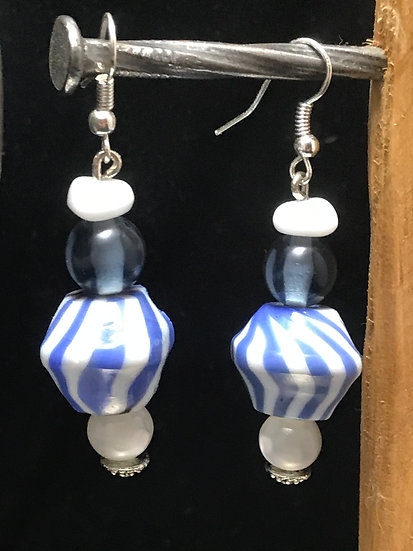 Boucle d'oreille bleue white