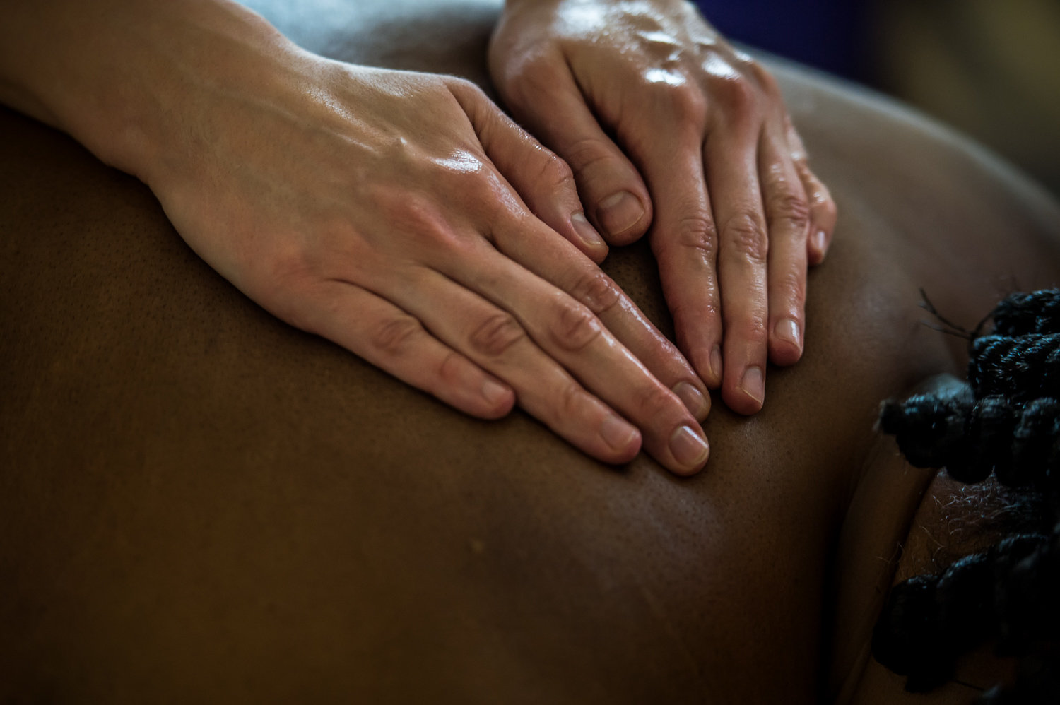 Back and Shoulders Therapeutic Massage