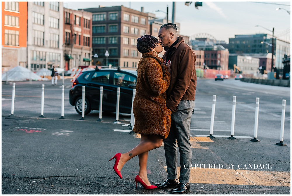 Pioneer square engagement photos, seattle big wheel engagement, seattle waterfront engagement photos, Seattle engagement photos