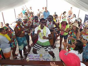 Passeio de Escuna-Samba