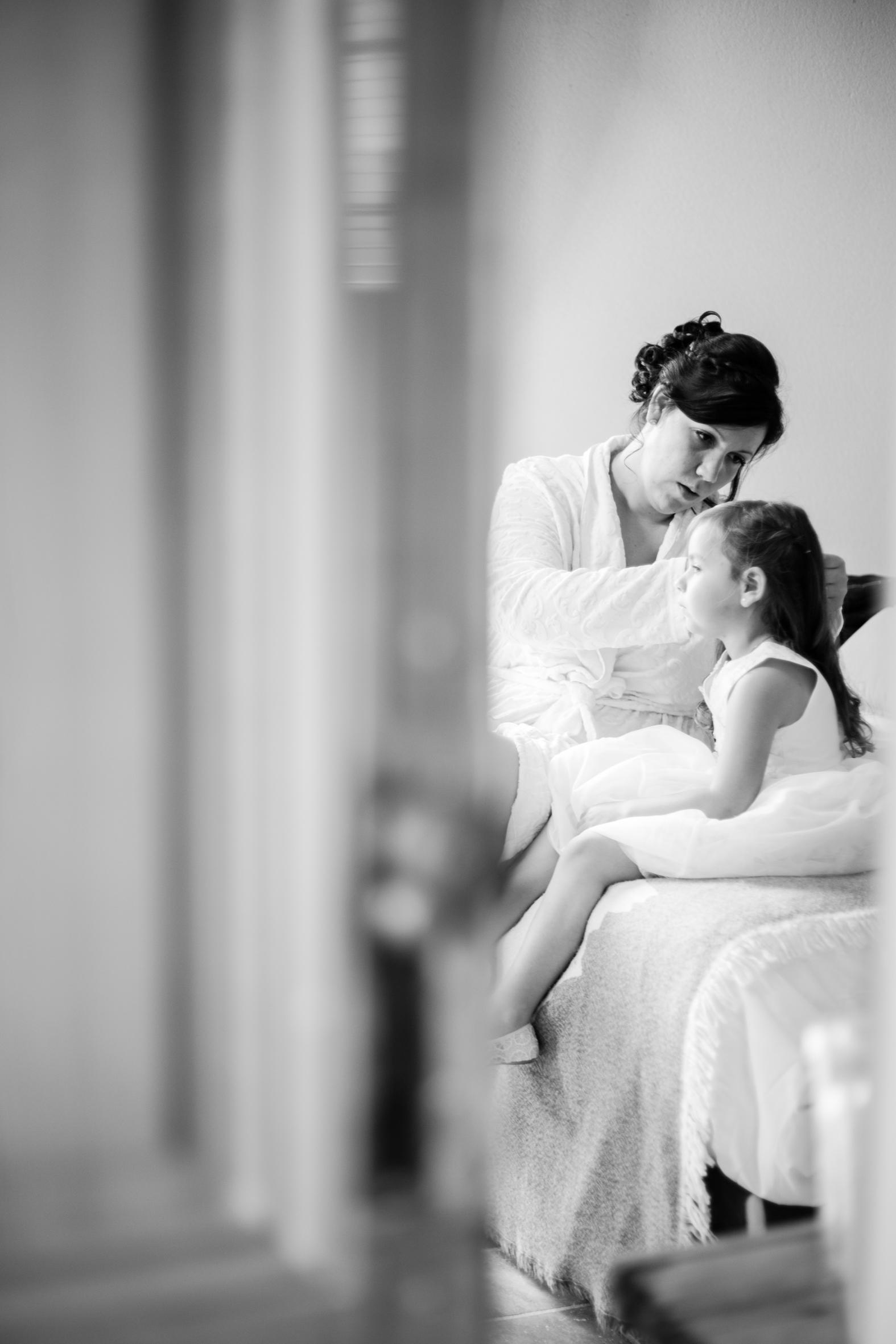 Préparatifs mariage mère fille robe