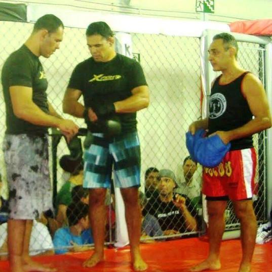 Alvaro de Aguiar com Minotauro e Minotouro