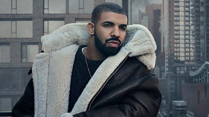 Drake disses Kanye West in Chicago, calls him a flop in his hometown.