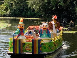 How parades are currently being handled in Walt Disney World Resort
