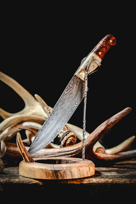 Feather-Pattern Damascus Knife