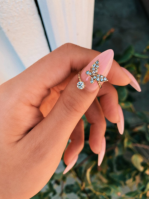 Crystal Pointed Butterfly Mid Ring