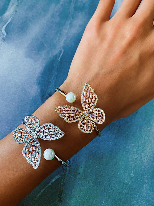 Crystal Fluttering Butterfly Pearl Bangle