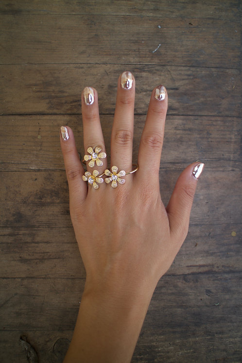 Triple Gold Flowers Double Finger Ring