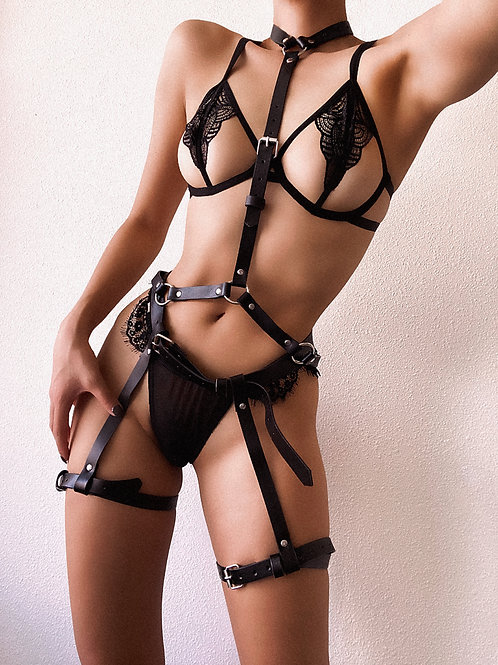 Simple Pleasure Chest Harness