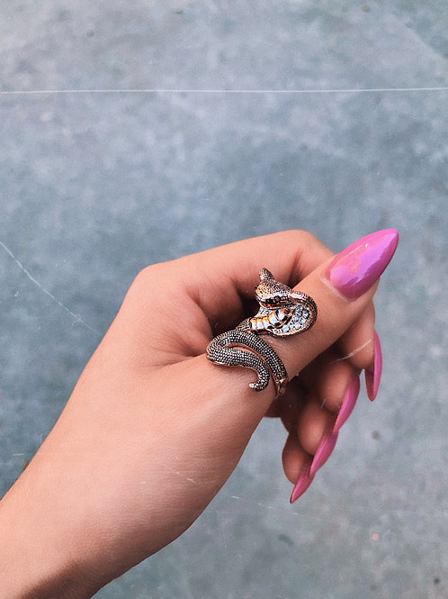Rose Gold Cobra Crystal Stand Ring
