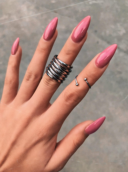 Bold Swirl Lines Ring