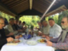 Eating alfresco at Aunan Lodge
