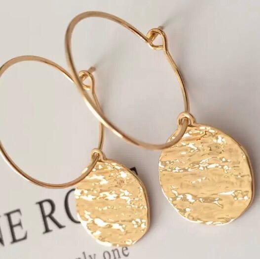 Hammered disc earrings