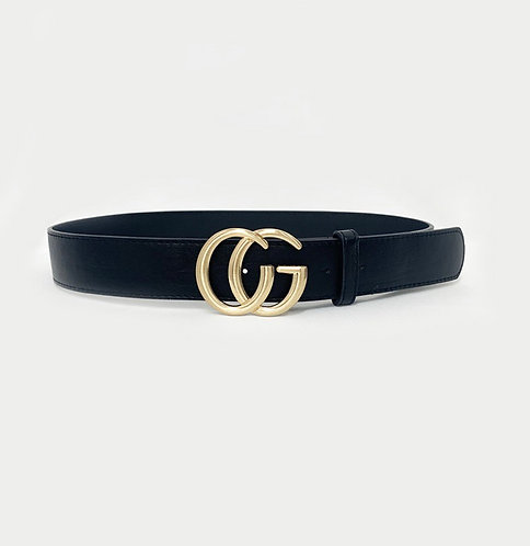 Chunky buckle gold lettered belt