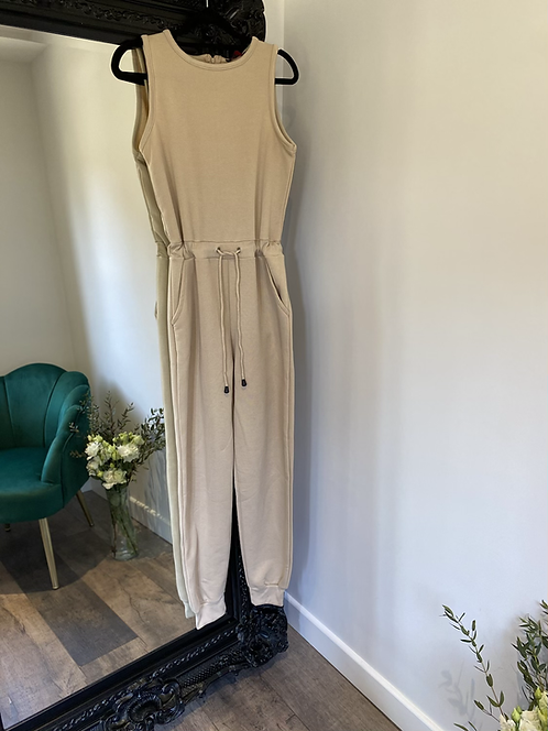 Stone - sleeveless jumpsuit with tie waist