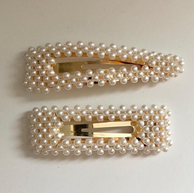 Beaded pearl hair clips