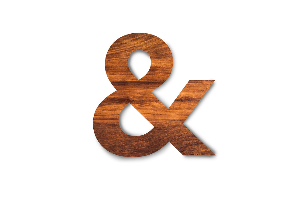 Single wooden texture ampersand sign iso