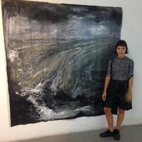 Alumna: Delfina Godfrid y una de sus piezas de gran formato realizada durante el año 2016