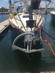 Rocna 25 with the AR's tether chain routed over the roll bar for extra leverage