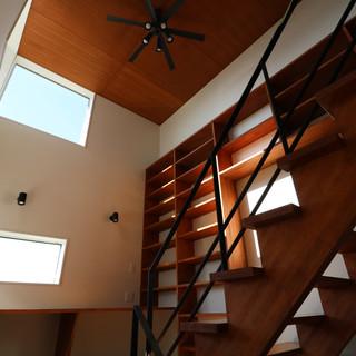 階段と本棚(造作)
