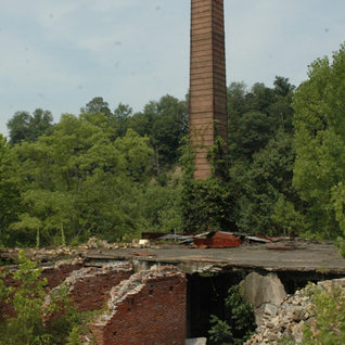 The 1927 small tank and smoke stack that both were brought forward with the 1945 make over.