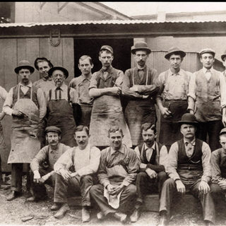 1898 photo of glass cutters
