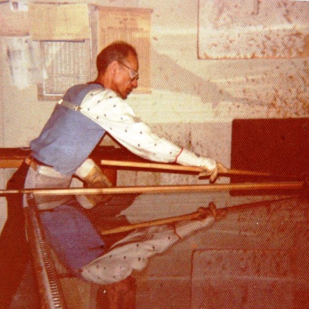 My dad Frank is using a Mt. Vernon machine shop splitter