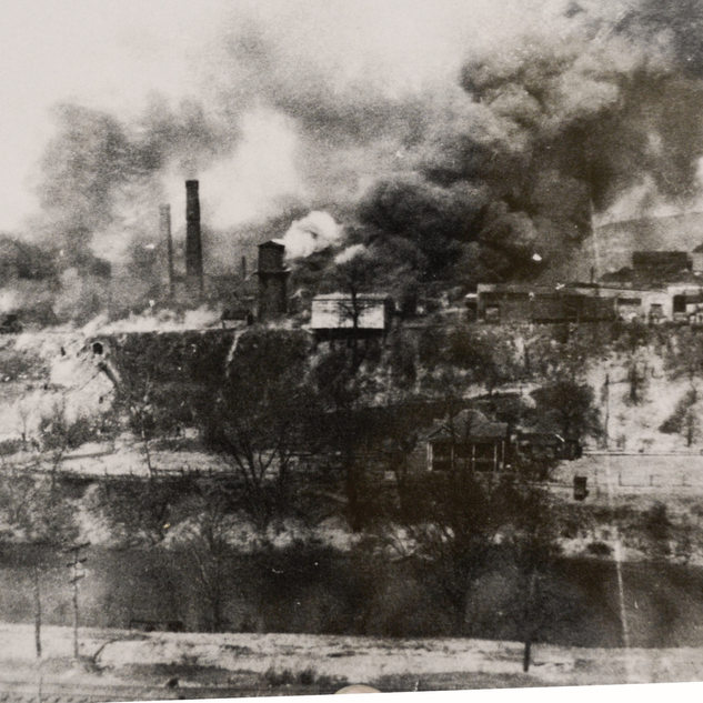 A common happening to glass factories in those days was destruction by fire and on March 25, 1919 the Layfayette was burnt to the ground.