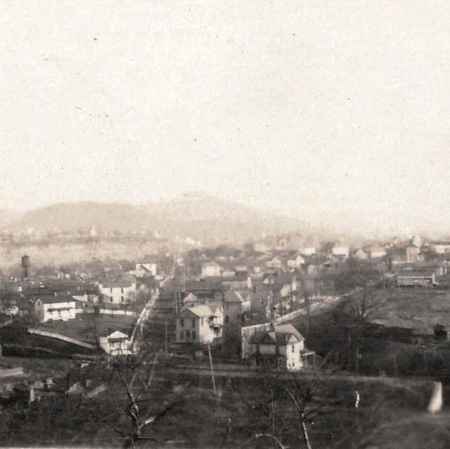 Photo before 1910 taken above Limestone junction near Roane Ave.