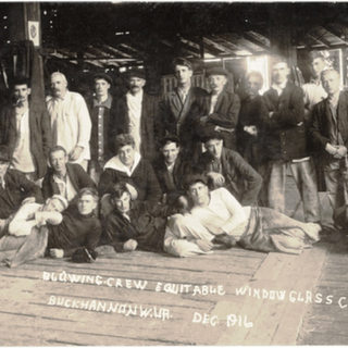 Another look at the blowing crew 1916.
