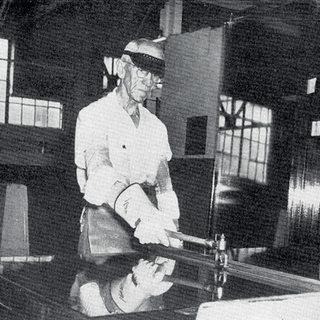 Ben Norcross using splitter, maker unknown.