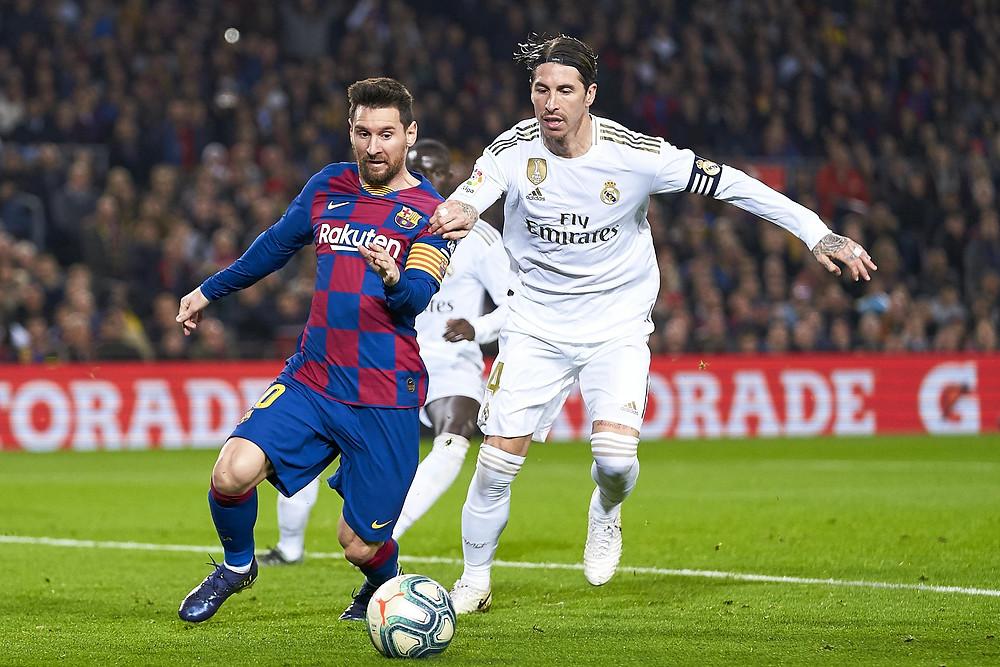 Sérgio Ramos vs. Lionel Messi em El Clássico (Quality Sport Images/Getty Images)