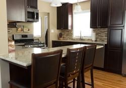 kitchen peninsula real estate photo