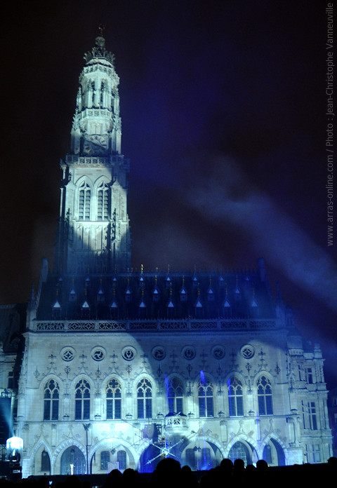 Embrasement du beffroi d'Arras 2012