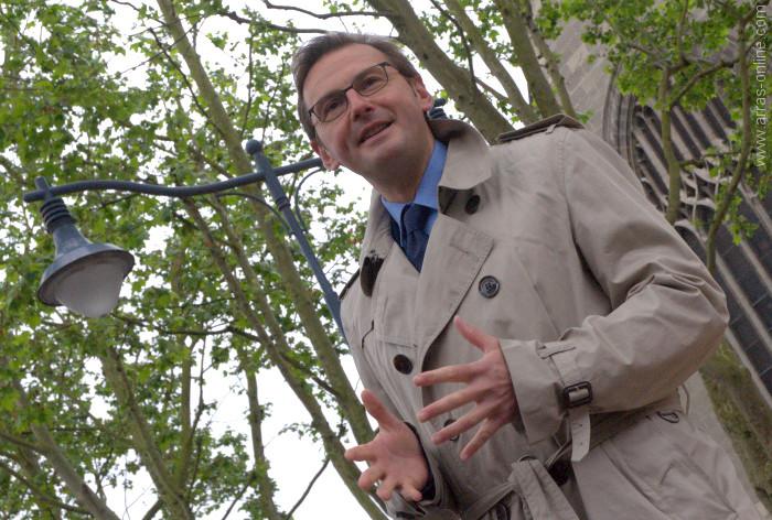 Le maire d'Arras dévoile la nouvelle place d'Ipswich