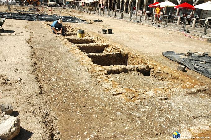 Arras La Place des Héros Fouilles Archéogogiques