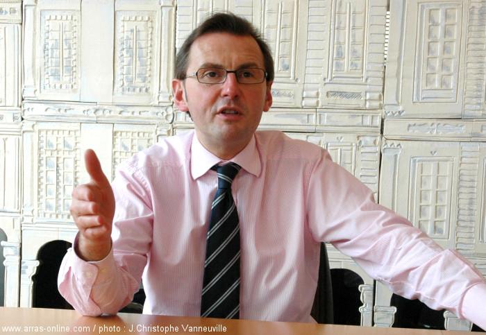 Frédéric Leturque conserve dès le premier tour son siège de Maire d'Arras.