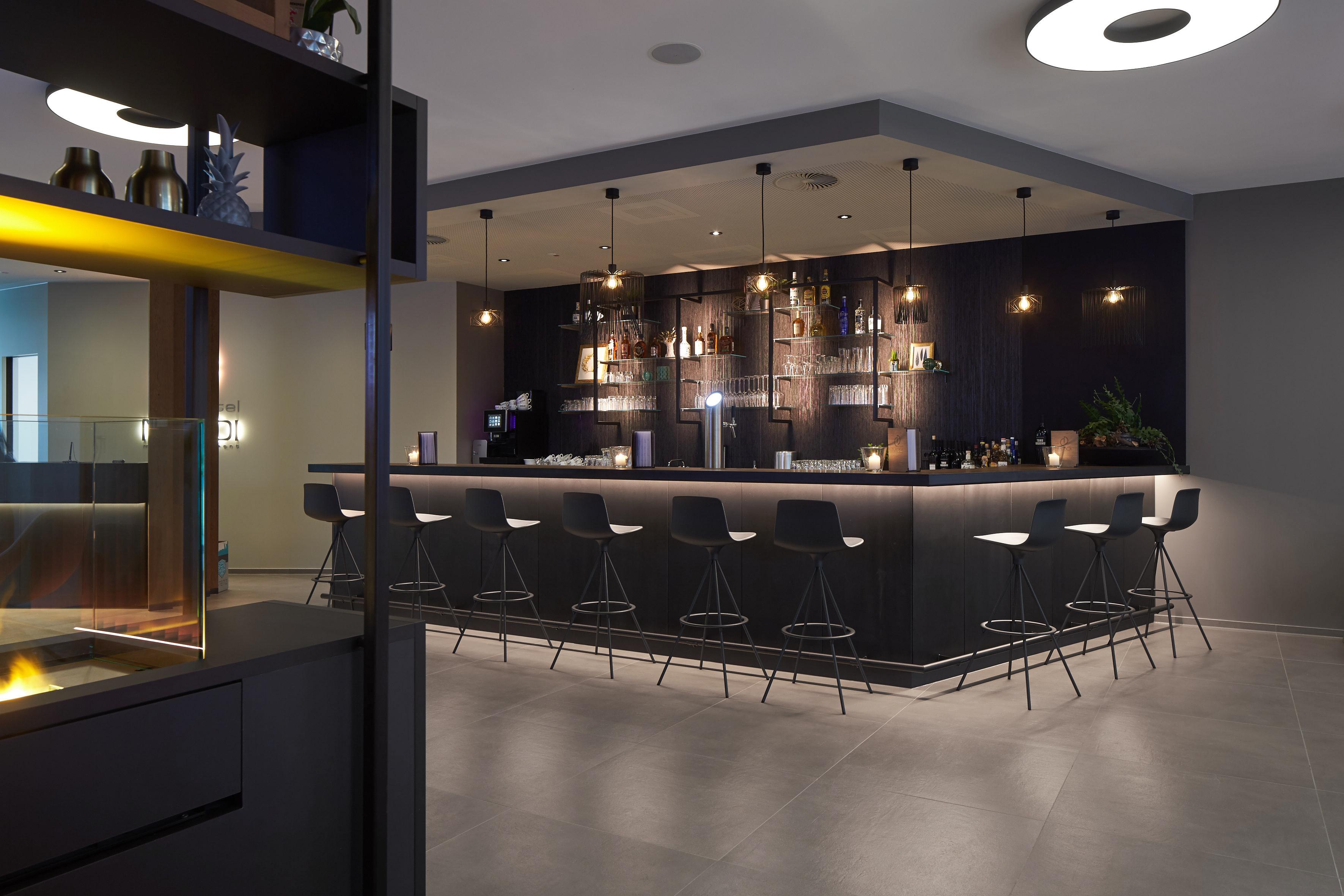Hotel Modi bar