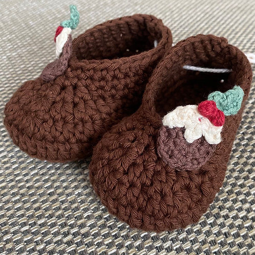 Handmade crochet cotton christmas pudding baby boots by Little Fig