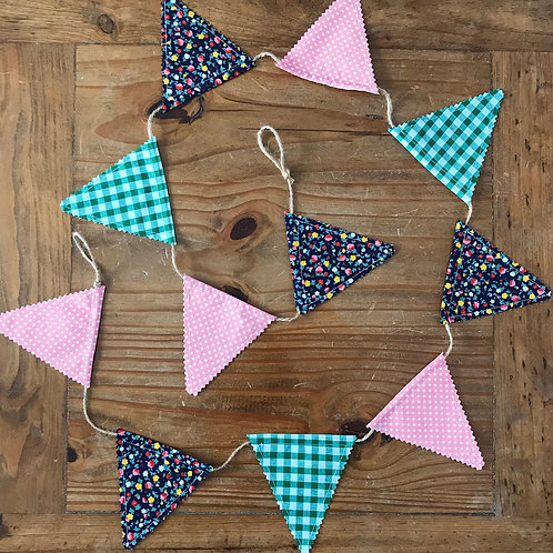 Small size bunting in floral and gingham fabric
