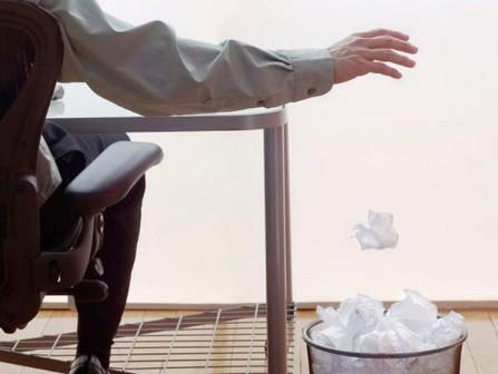 "Escreva ""a"" no lugar de ""há"" e seu currículo pode ir para o lixo!"
