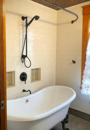 Soaker Tub/Shower