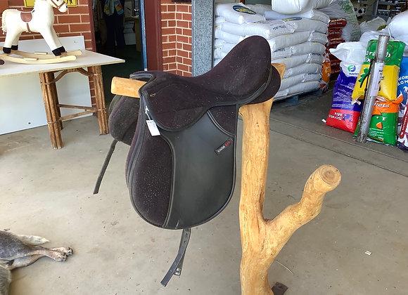 Pvc Status elite all purpose saddle