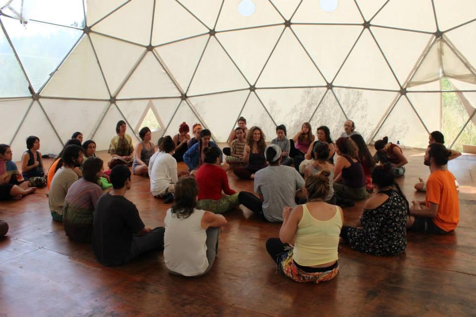 domo + sustentable + eco.educación + residencias artísticas + circular