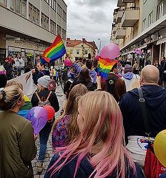 Prideparad.jpg
